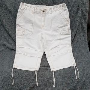 White Venezia Capri Pants size 20 EUC